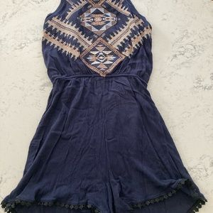 NWOT szS cute embroidered romper